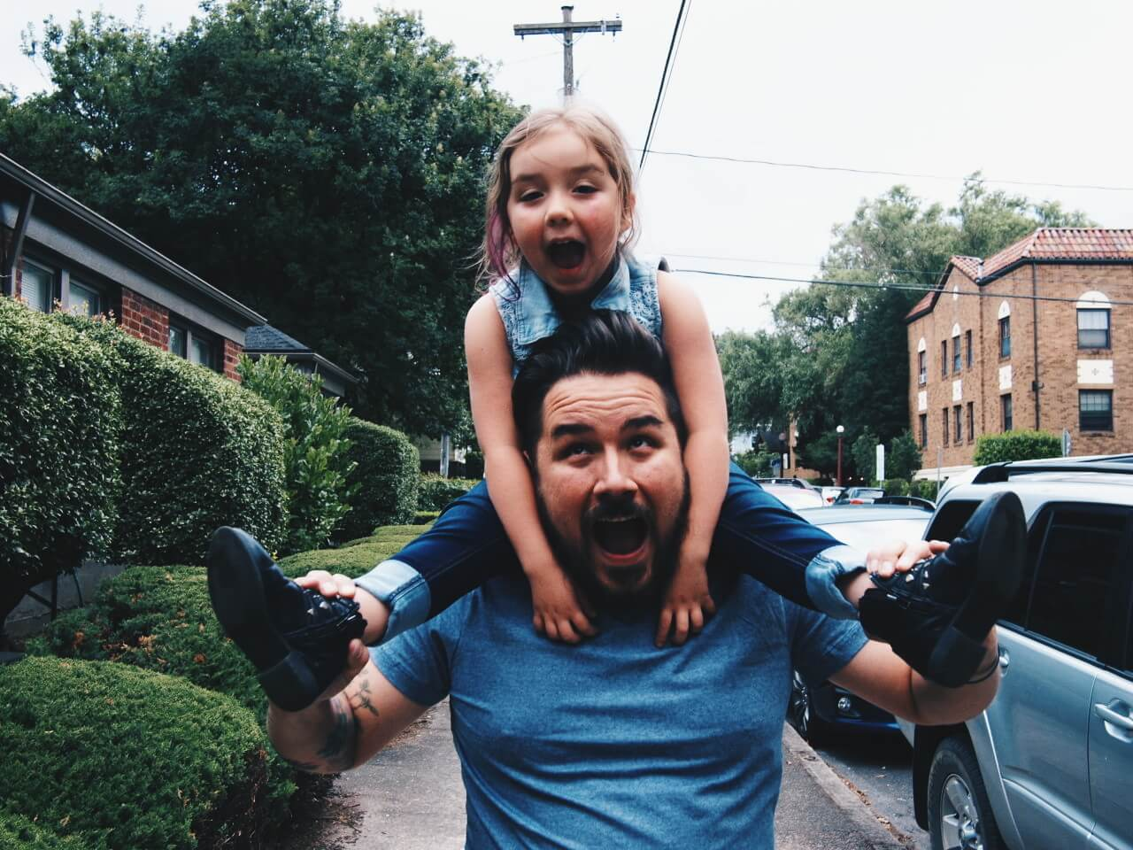 family-person-daughter-parent-father-happy-dad-excited-parenting-daddy-family-fun_t20_JaooLQ (1)